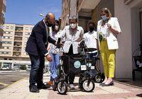 Momento de la presentación de los andadores inteligentes para dependientes.