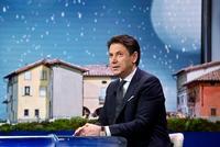 Conte presenta su dimisión al presidente de Italia