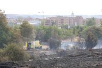 Incendio junto a la carretera de Renedo (Valladolid), entre la Ronda Este y la VA-30