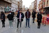 El alcalde y los concejales del equipo de Gobierno, en la calle Castelar.
