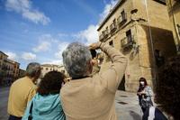 Turistas en Ciudad Rodrigo (Salamanca).