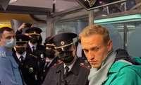Detenido Navalni nada más aterrizar en Moscú