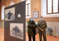 El vicepresidente de la Junta visita la exposición 'El Centenario de la gesta del Regimiento de Alcántara'