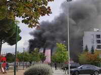 Incendio en un antiguo súper de Pinar de Jalón