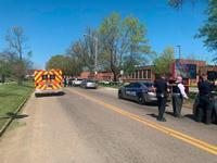 Reportan un tiroteo con víctimas en un instituto de Knoxville