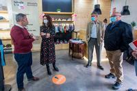 Cáritas crea empleo con una tienda Moda-re en Santa Teresa