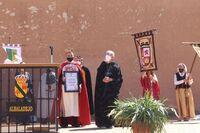 Daniel Lillo (d) durante el reconocimiento de la Asociación Encomienda de Montiel