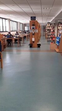 Sala de lectura de la Biblioteca de La Roda.
