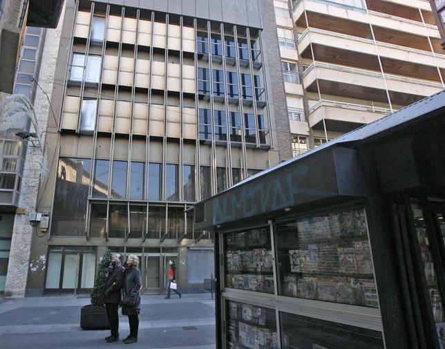 Edificio de la calle Santiago número 11, antigua oficina comercial del BBVA.