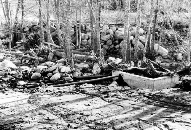 Imagen de la riada de Navaluenga del 17 de diciembre de 1997. Archivo