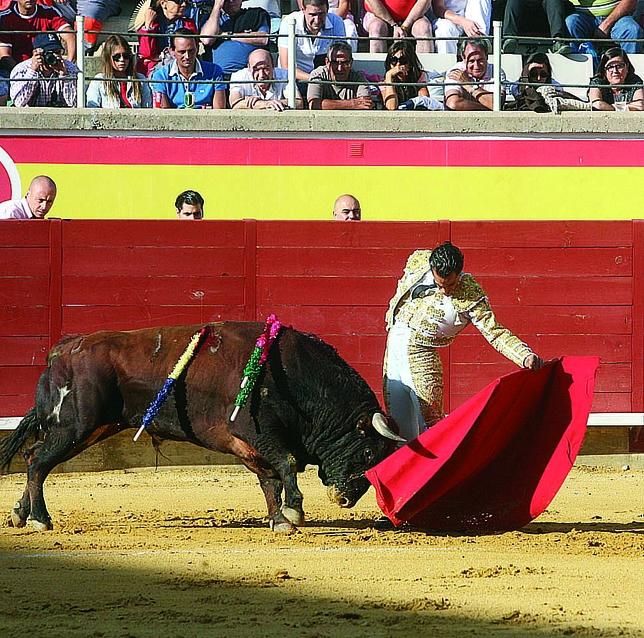 Aún toreando de esta forma, la mala suerte le acompañó a Fandiño toda la tarde.