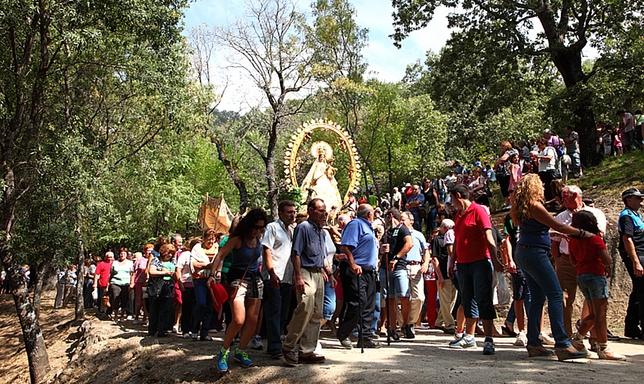 Romería de la Virgen de Chilla en Candeleda. Julio