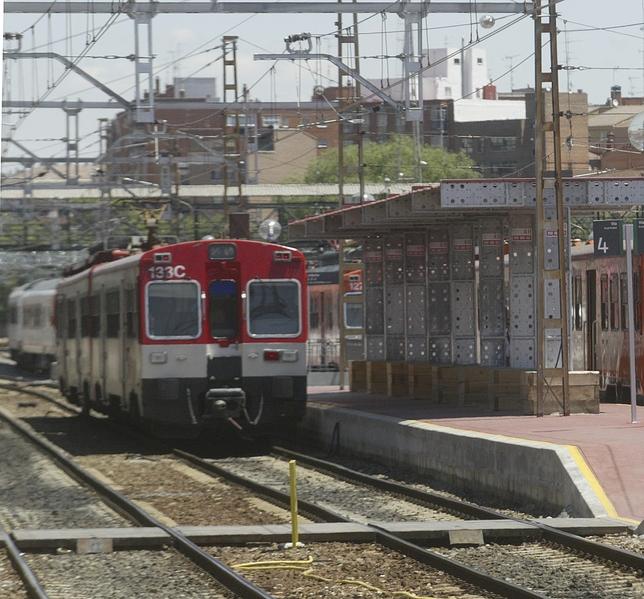 Un tren en la Estación del Campo Grande.