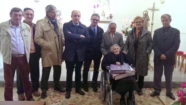 Claudia recibió ayer la visita de los representantes de la Diputación y ayuntamientos cercanos a Villaoliva.