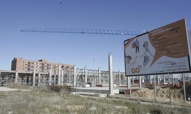Las obras del centro deportivo de Los Santos-Pilarica llevaban cerca de dos meses paradas.