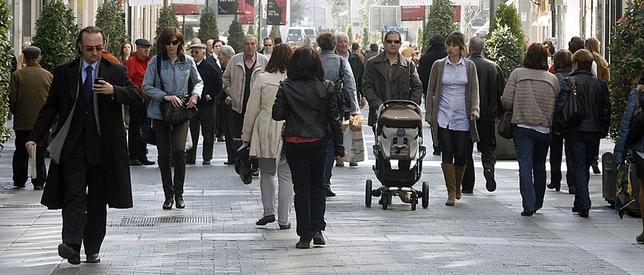 La calle Santiago es el principal centro comercial de la ciudad al aire libre.