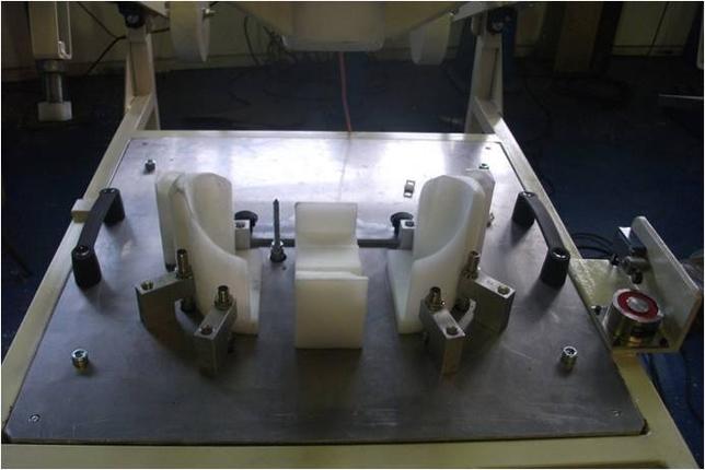 AEDI Ingenieros fabrica utillaje como este 'Poka Yoke', que sirve para verificar que todos los componentes de una pieza están en su sitio antes de meterlos en la cadena.