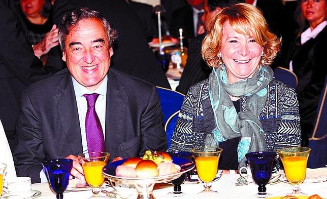 'Espe' y Rosell ríen por la forma tan diferente que tienen de ver las relaciones Barcelona-Madrid.