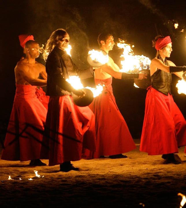 Danza y fuego de la compañía La Salamandre.
