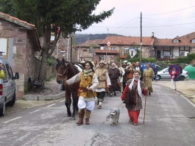 Los foramontanos llegando a Brañosera. M.R.M.