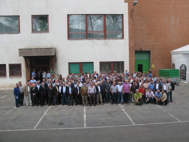 Imagen de familia de los asistentes al 50 aniversario. Rubén Abad