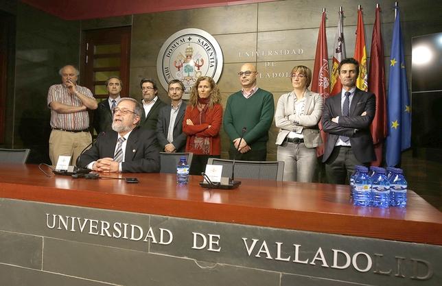 Marcos Sacristán comparece con su equipo en rueda de prensa. J.Tajes
