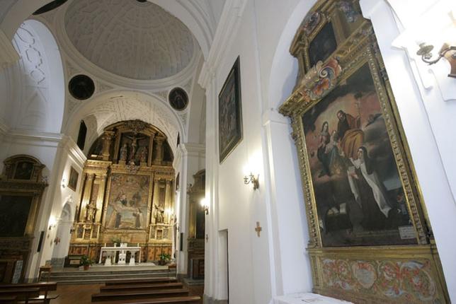 El templo conventual conserva lienzos de Antonio de Pereda.