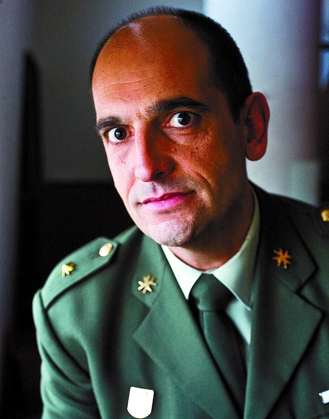 El comandante Juan José Ayuso.