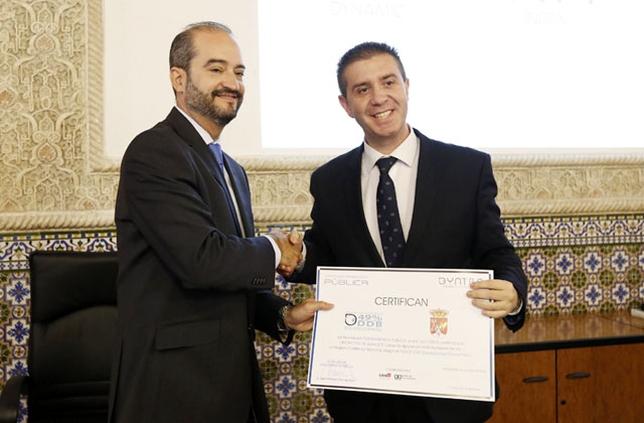 El presidente de la Diputación de Albacete recogió el premio a la diputación más transparente. David Pérez