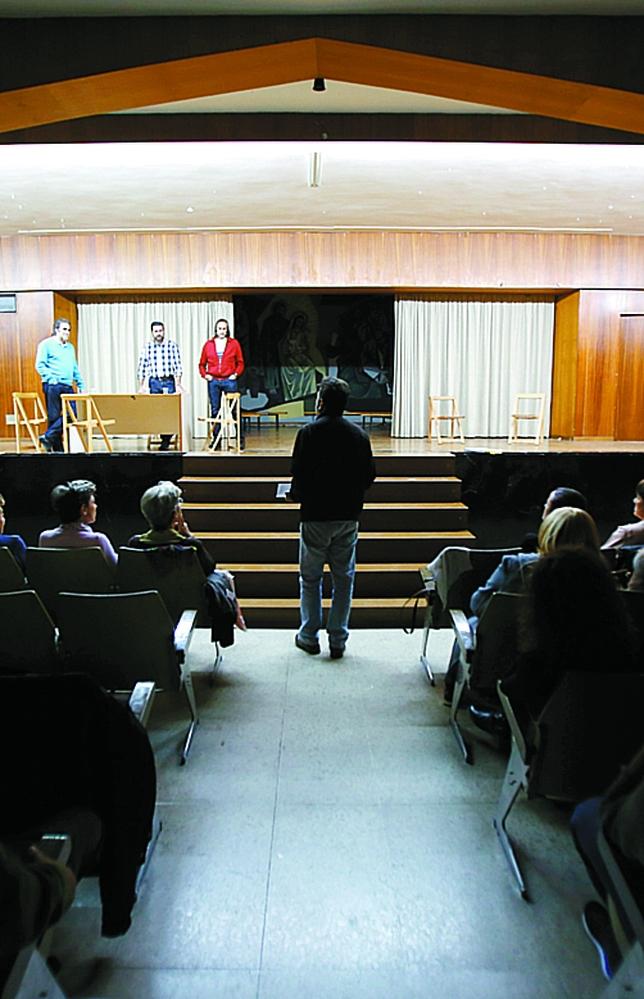 El director, Carlos Burguillo, da instrucciones. J. Tajes
