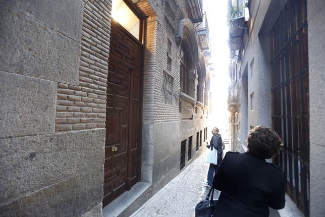 La entrada al centro se realizará por el callejón del Lucio.