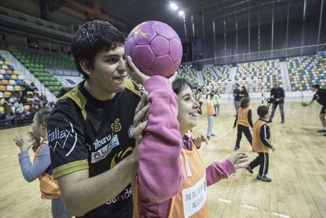 Los jugadores del Alarcos mostraron su lado más solidario