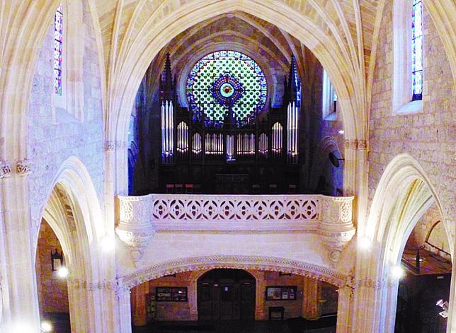 Fotograma de las alturas de la iglesia.