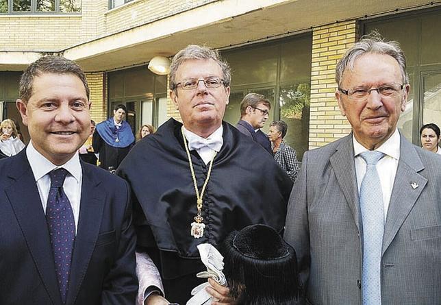García-Page, Collado, y el vicepresidente primero de Globalcaja, Carlos de la Sierra.