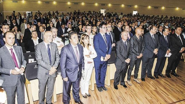 Las autoridades no quisieron perderse la apertura del curso universitario. Reyes Martínez