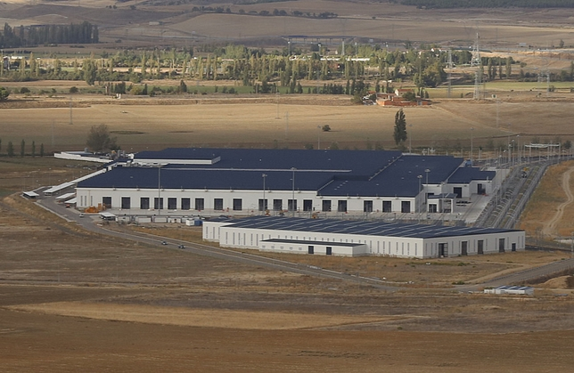 Los nuevos talleres de Renfe se han construido en el Páramo de San Isidro, pero todavía no se han inaugurado.  J. Tajes
