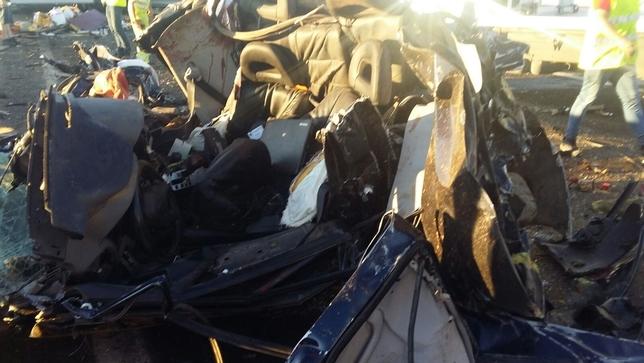 Dos muertos y 23 heridos en la A-4