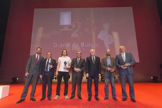 Autoridades y representantes de todos los estamentos sociales estuvieron presentes en el acto en el que se entregaron los premios Martinillos a los valores humanos, deportivos, culturales y empresariales.