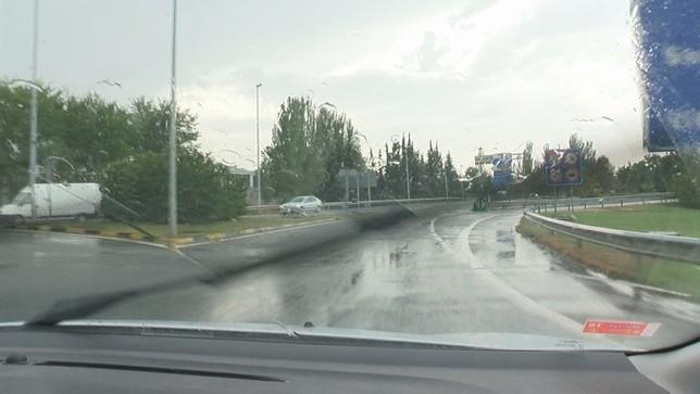 Lluvia y conducción siguen mal avenidos