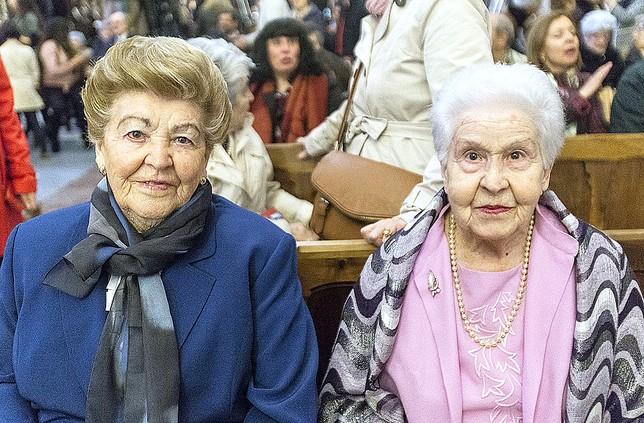 Herminia y Orencia, de 90 y 92 años, hermanas de Zacarias Cuesta, de Villasidro.