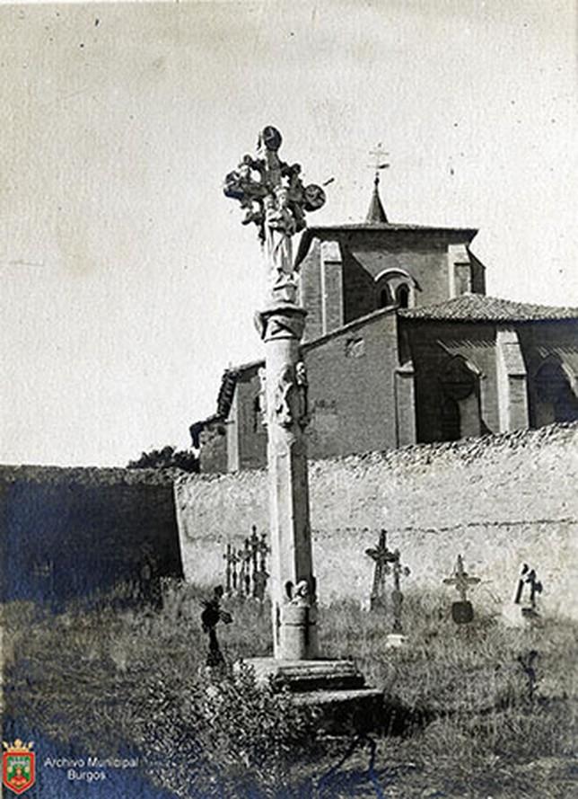 Crucero del cementerio de la iglesia Real y Antigua de Gamonal.