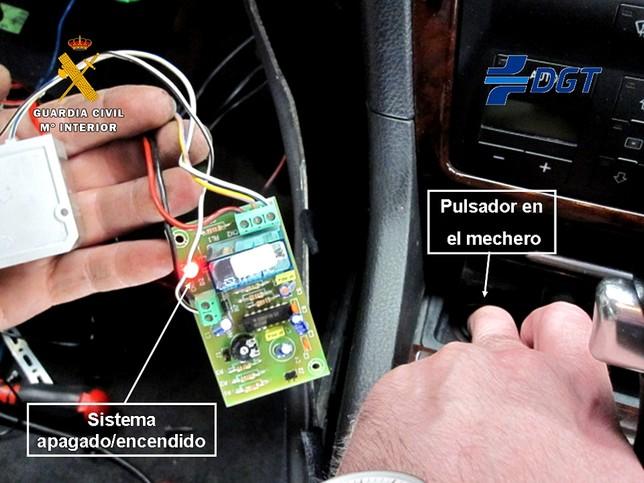 Sofisticado sistema instalado en el vehículo intervenido.
