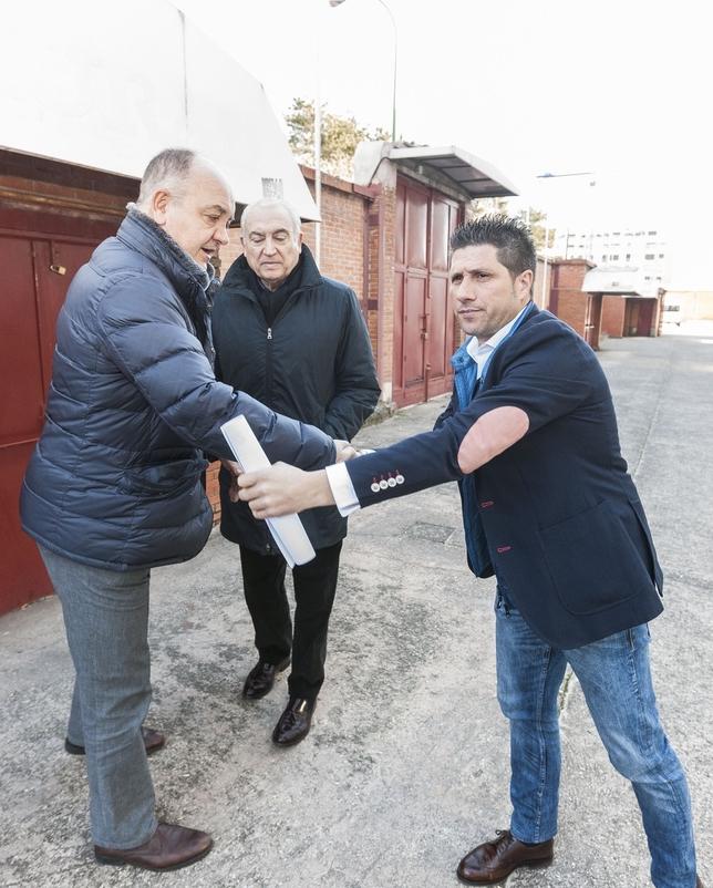 Nacho Fernández (d.) asume el cargo de entrenador cuando restan tres jornadas de liga. Alberto Rodrigo