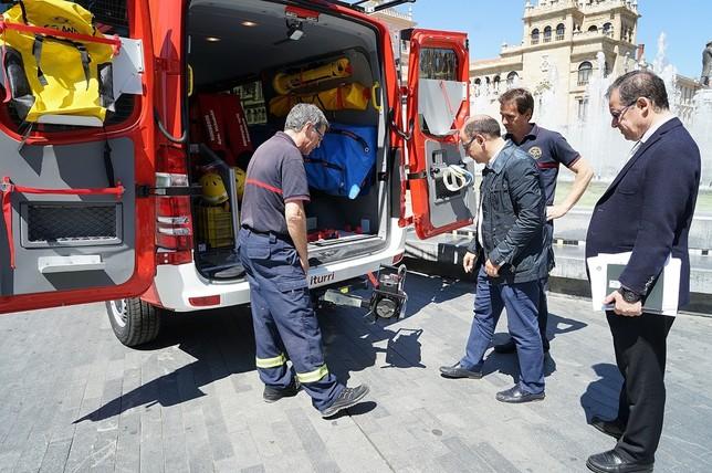 Bomberos estrena un nuevo vehículo de rescate acuático
