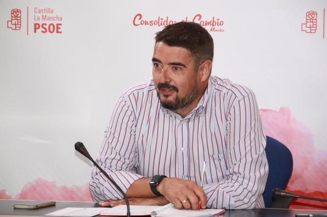 Rafael Esteban es el alcalde de Marchamalo (Guadalajara), del Partido Socialista.