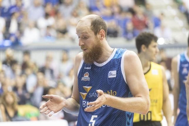 Thomas Schreiner finaliza su breve etapa en el San Pablo Burgos.  Valdivielso