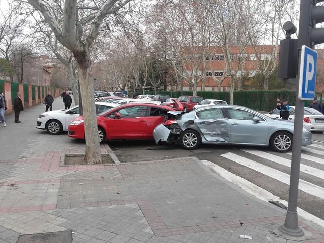Un accidente en la calle Mirabel se salda con un herido