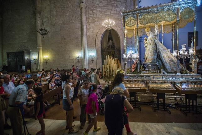 La Virgen se acerca a los fieles en sus días RUEDA VILLAVERDE