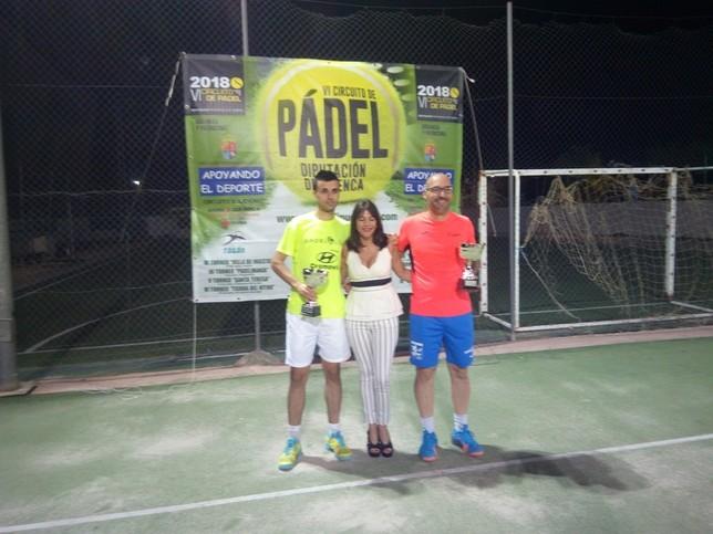 El trofeo de pádel de La Jara reunió a 23 parejas