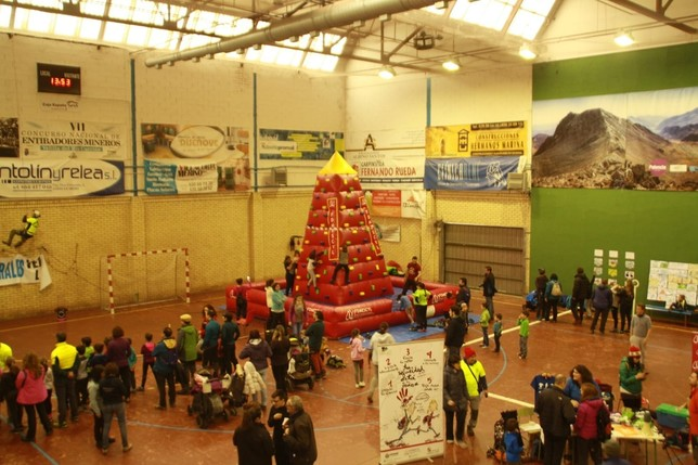 El Día de las Montañas reúne a 150 participantes